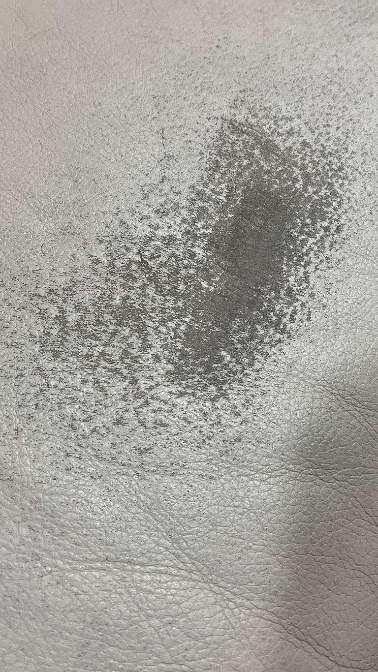 Ledermoebel Reparatur Couch vorher
